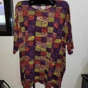 LULAROE (Irma)  womens blouse
